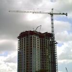Башенный кран, строительство высотного здания